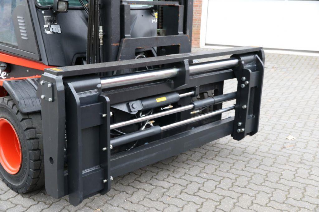 *Sonstige-Zinkenverstellgerät PFA 12T 2400mm  8t/900-Zinkenverstellgerät-www.heftruckcentrumemmen.nl