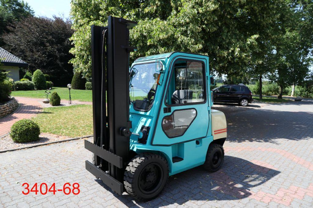 Yang-FD 30-Dieselstapler-http://www.heftruckcentrumemmen.nl