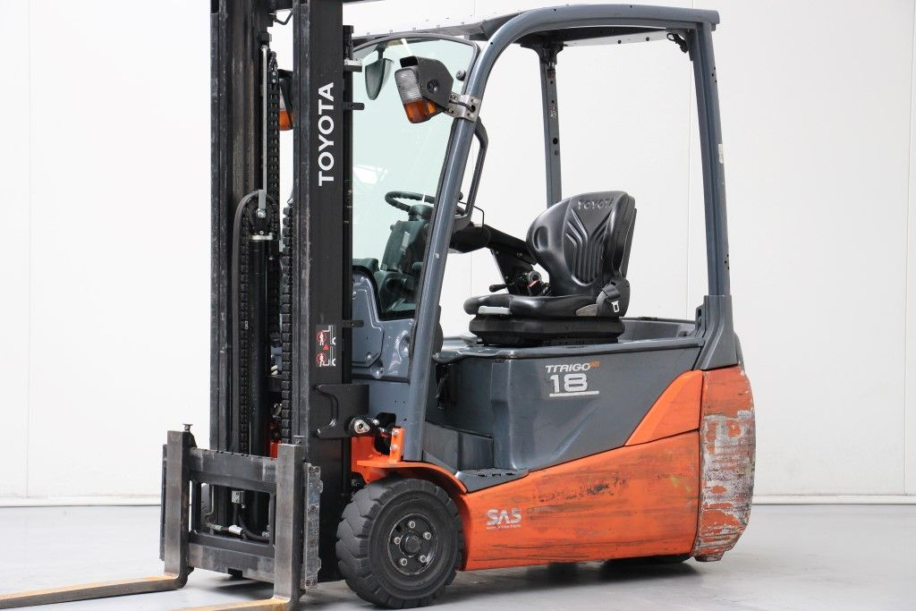 Toyota-8FBET18-Electric 3-wheel forklift http://www.bsforklifts.com