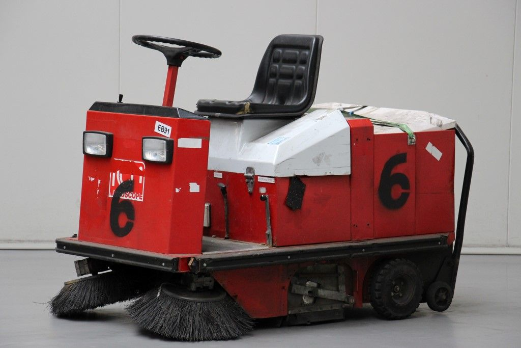 RCM-R.702.E/5 -Sweepers http://www.bsforklifts.com