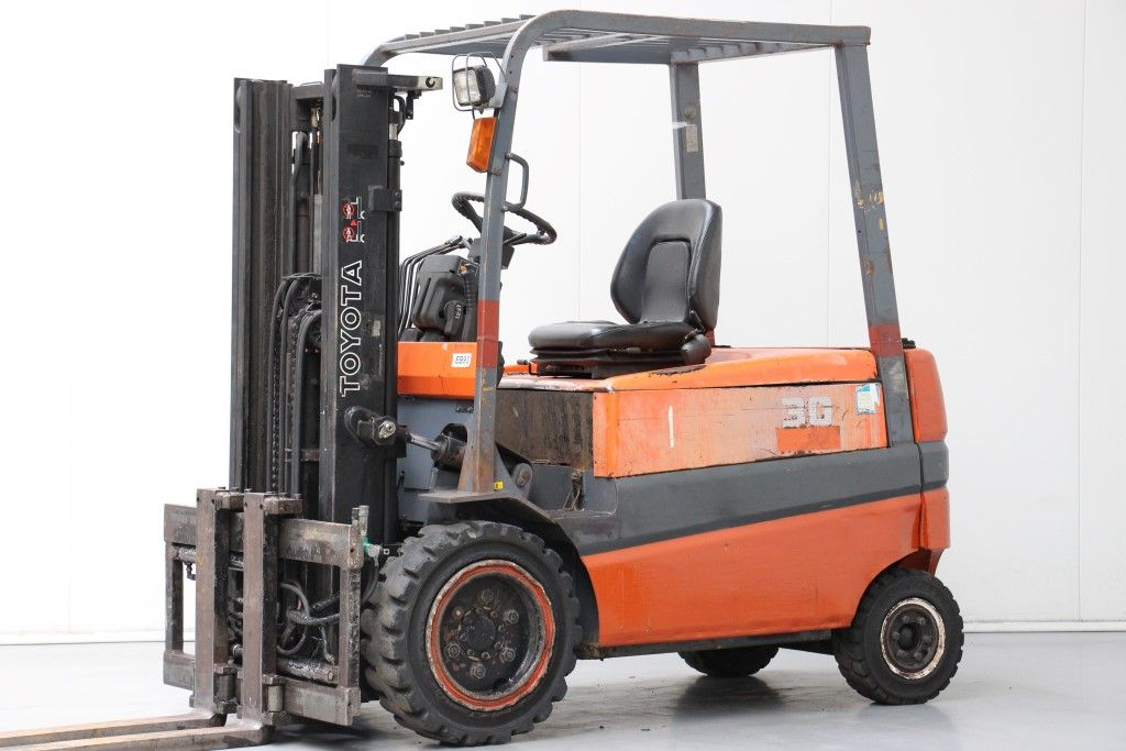 Toyota-FBMF30-Electric 4-wheel forklift http://www.bsforklifts.com
