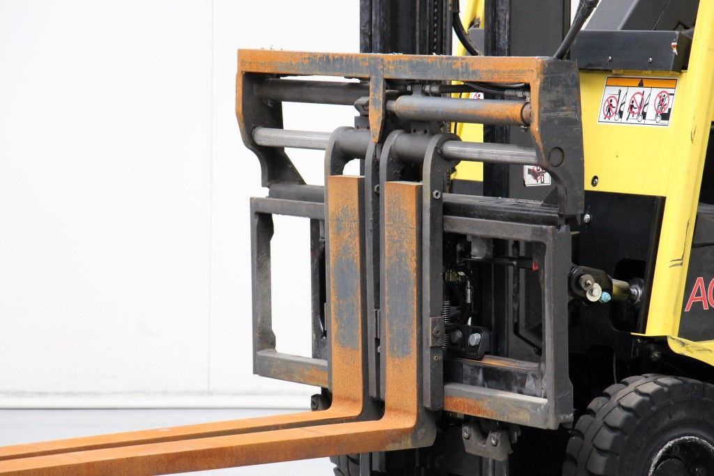 Bolzoni-FK2511A-Fork positioners http://www.bsforklifts.com
