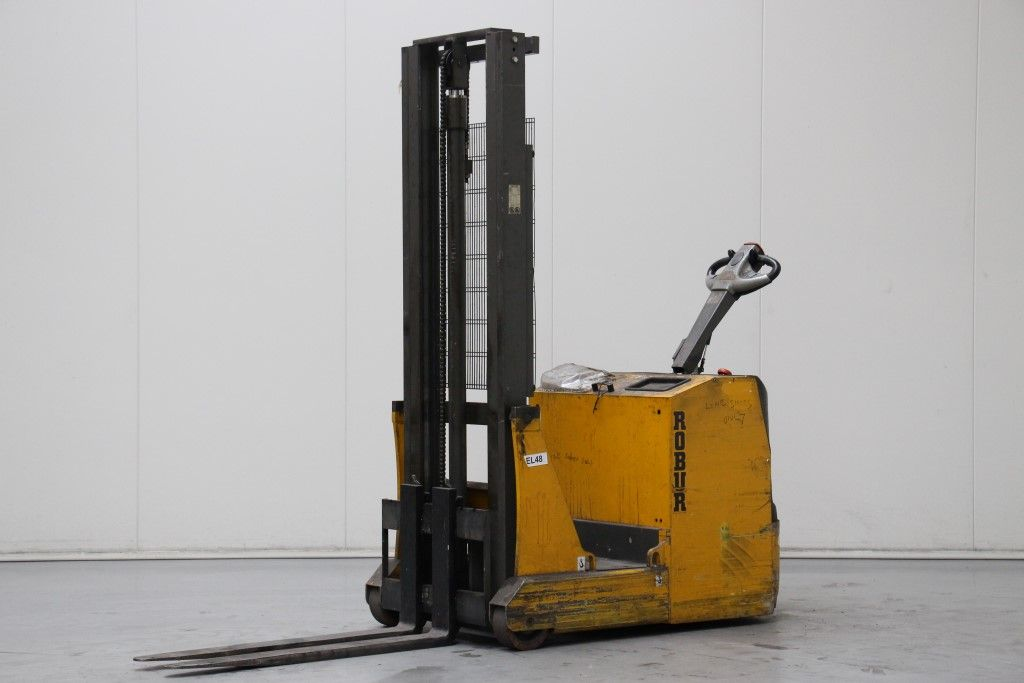 Robur-SBC3312-High Lift stacker http://www.bsforklifts.com