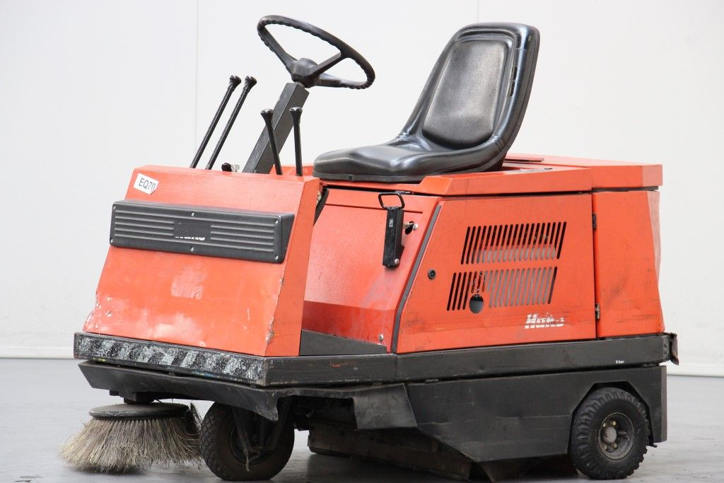 Hako-Jonas 950E-Sweepers and vacuum cleaning machine http://www.bsforklifts.com