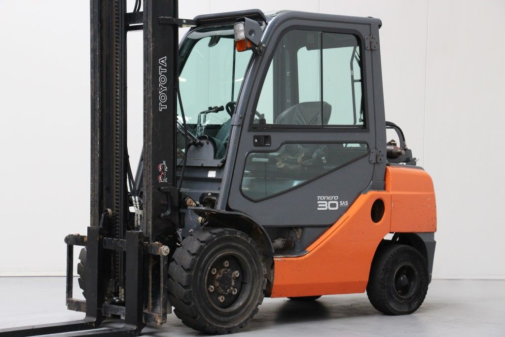 Toyota-02-8FGF30-LPG Forklifts http://www.bsforklifts.com