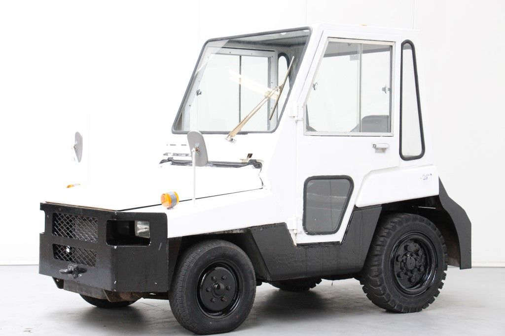 Toyota-2TD20-Tow Tractor http://www.bsforklifts.com