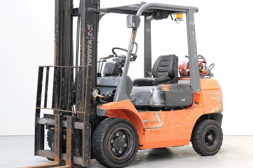 Toyota-02-7FGF30-LPG Forklifts http://www.bsforklifts.com