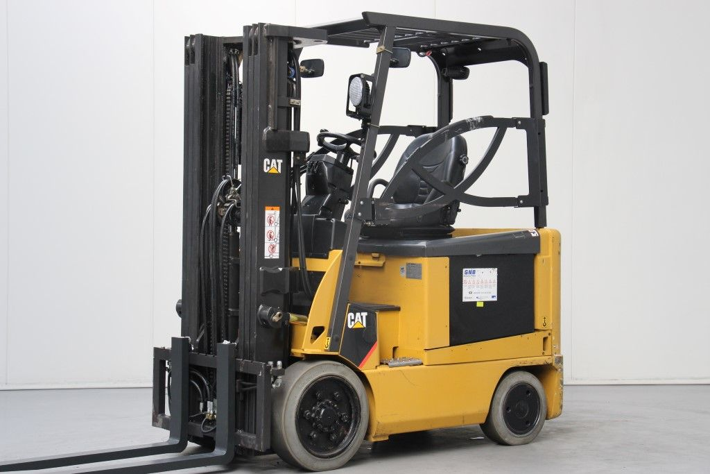 Caterpillar-EC25NY-AC-Electric 4-wheel forklift http://www.bsforklifts.com