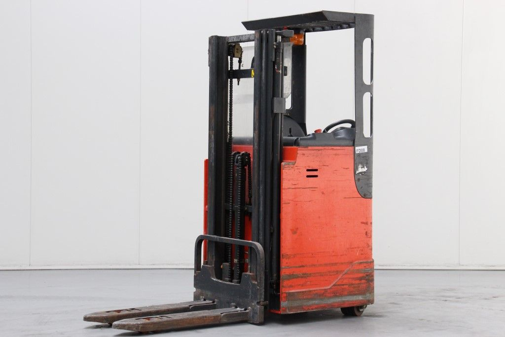 Linde-L16R-Stacker sit on http://www.bsforklifts.com