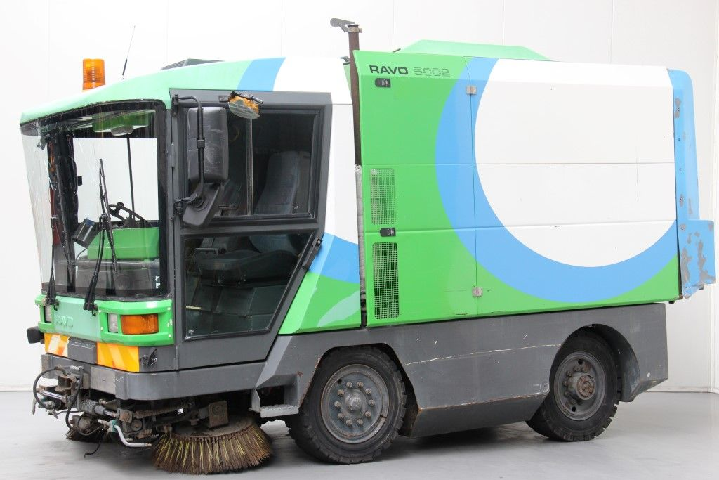 Ravo-5002-Street cleaning machine http://www.bsforklifts.com
