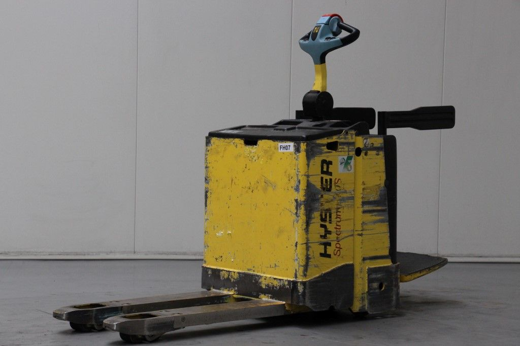 Hyster-P2.0S-Electric Pallet Truck http://www.bsforklifts.com