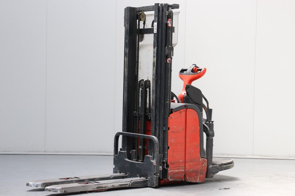 Linde-L16AP-High Lift stacker http://www.bsforklifts.com