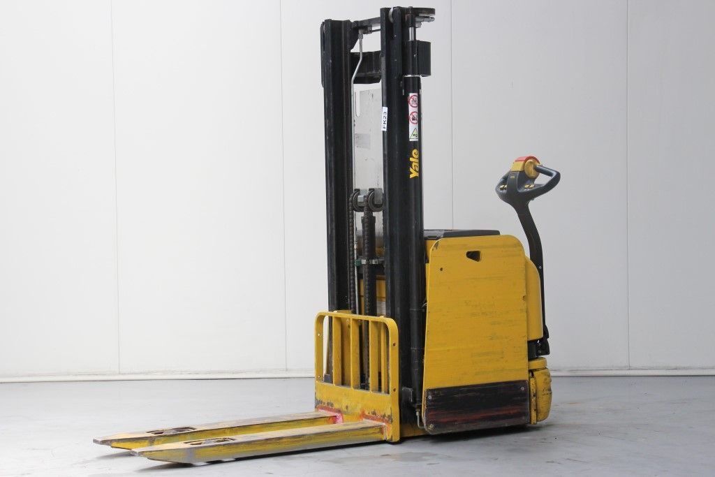 Yale-MS14AC-High Lift stacker http://www.bsforklifts.com