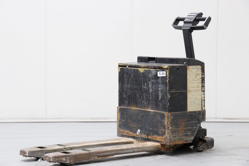 Crown-2.0GPW-3-3-Electric Pallet Truck http://www.bsforklifts.com