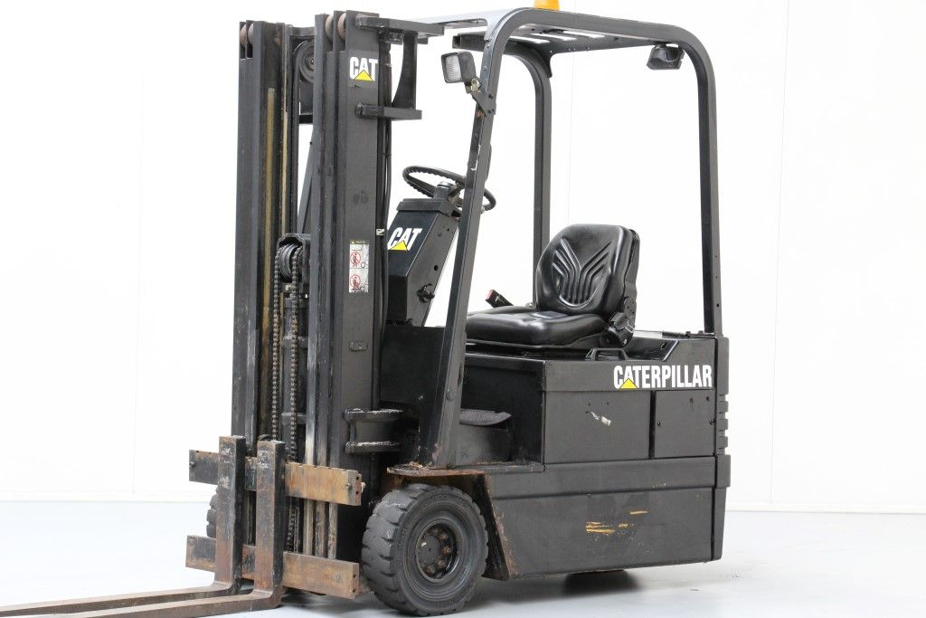 Caterpillar-EP15T-Electric 3-wheel forklift http://www.bsforklifts.com