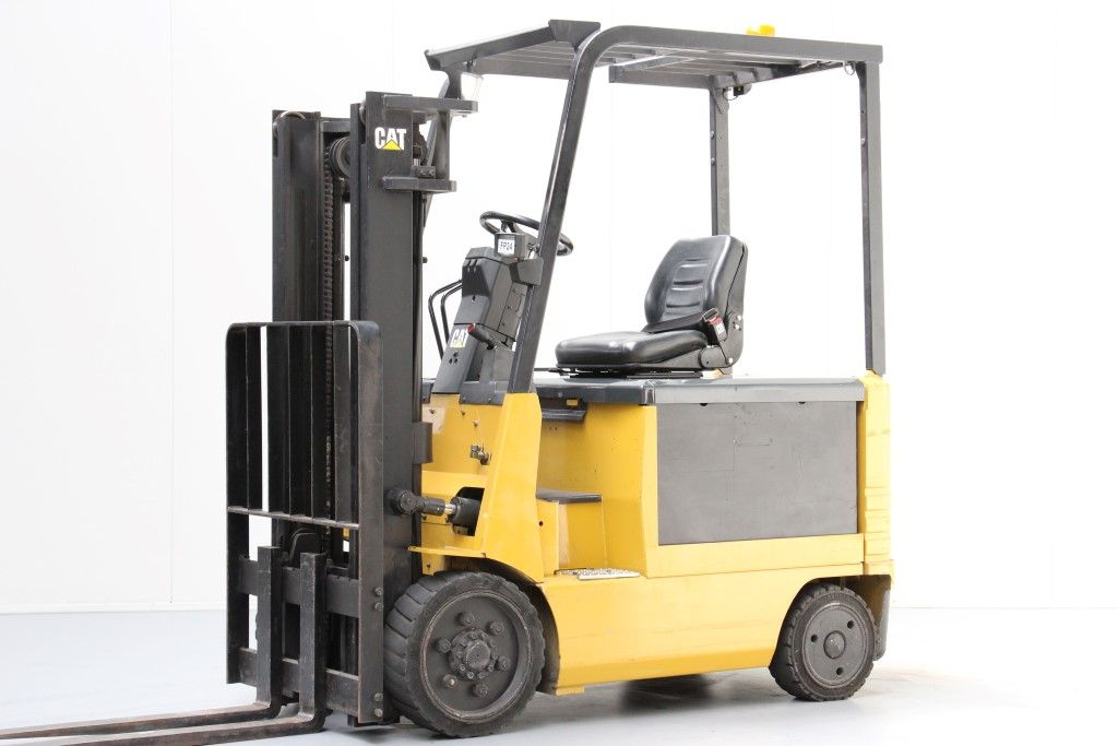 Caterpillar-2EC25E-Electric 4-wheel forklift http://www.bsforklifts.com
