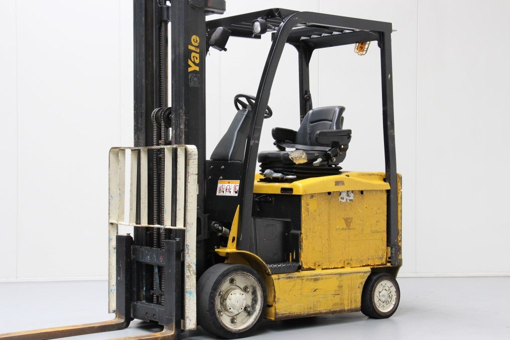 Yale-ERC30VGMWB-Electric 4-wheel forklift http://www.bsforklifts.com