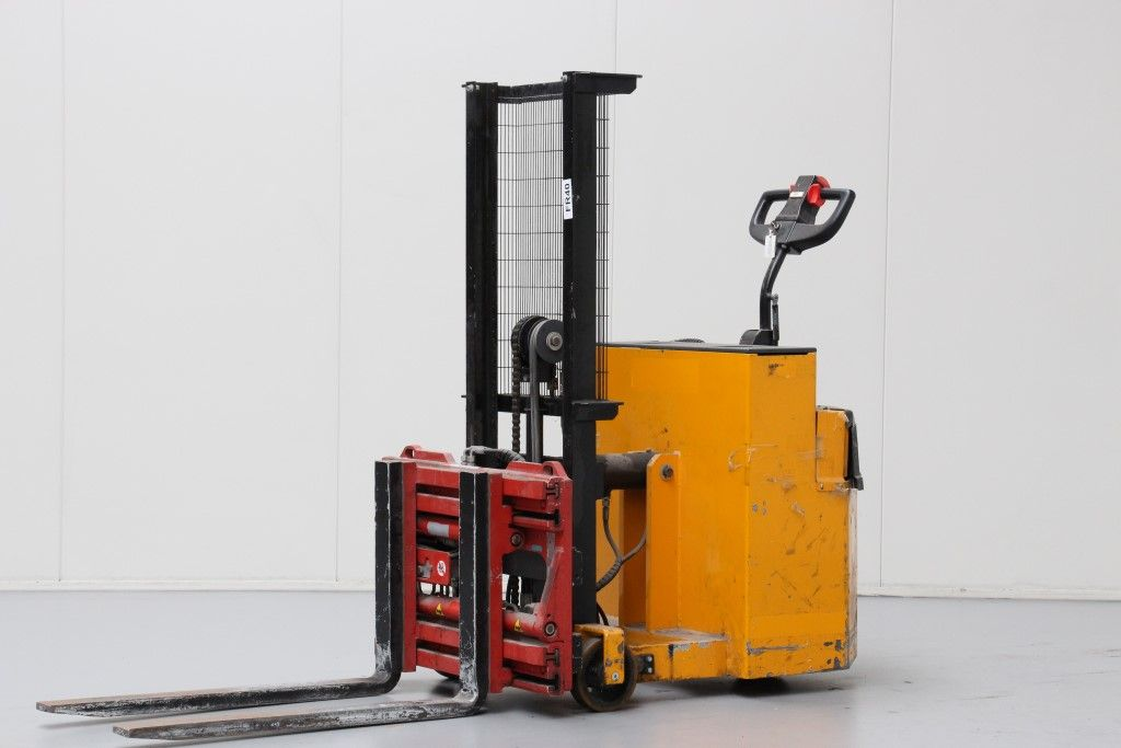Wilmat-PDCB4/5-High Lift stacker http://www.bsforklifts.com