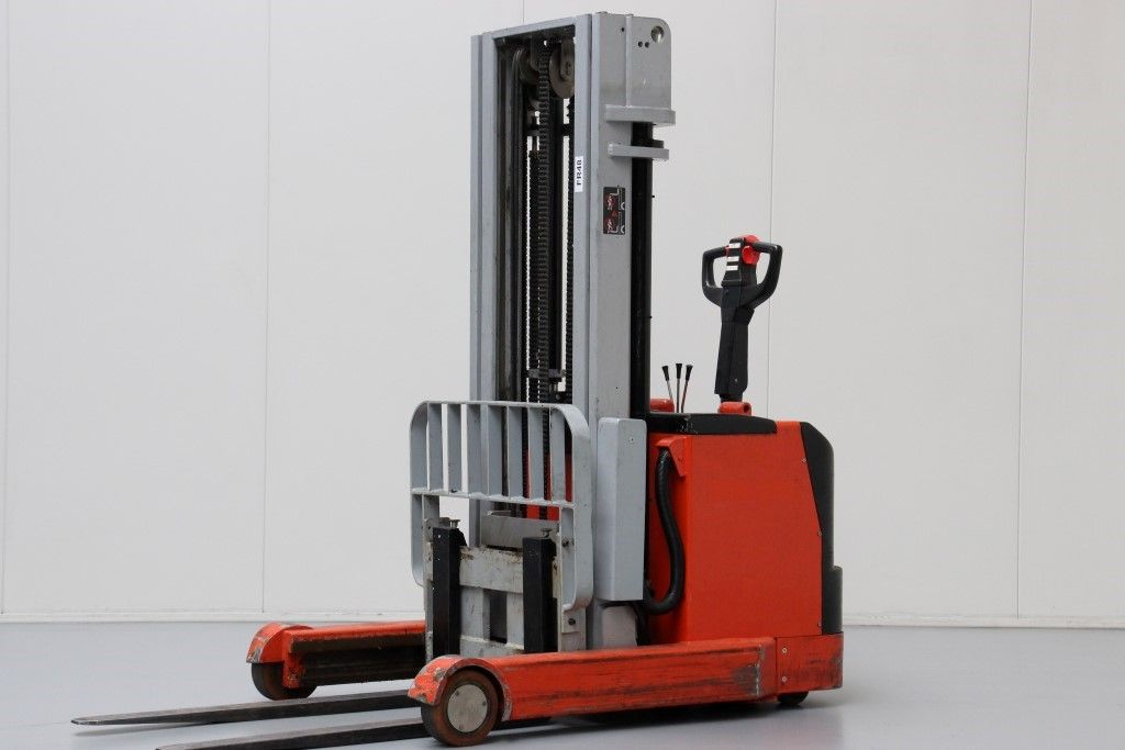Nissan-CY1345-High Lift stacker http://www.bsforklifts.com