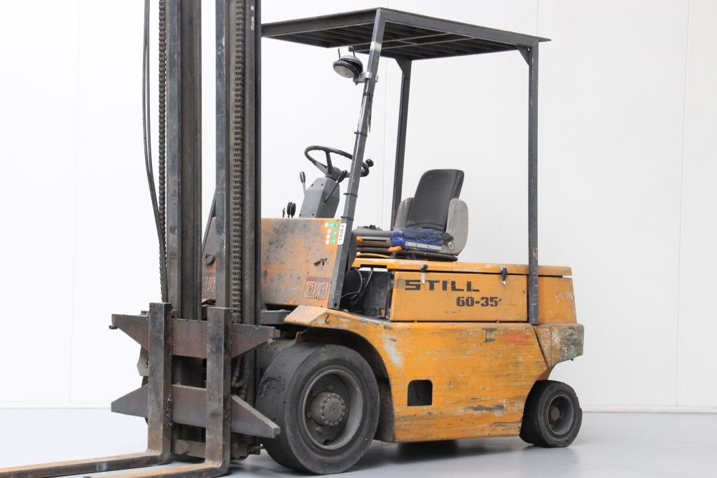 Still-R60-35-Electric 4-wheel forklift http://www.bsforklifts.com