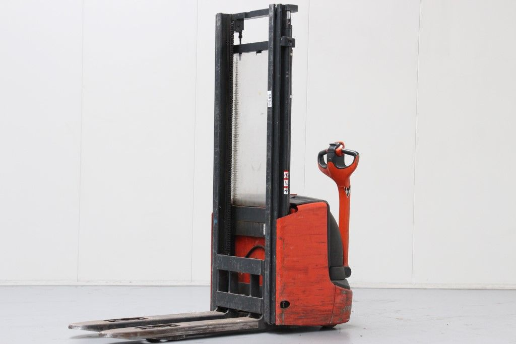 Linde-L12I-High Lift stacker http://www.bsforklifts.com
