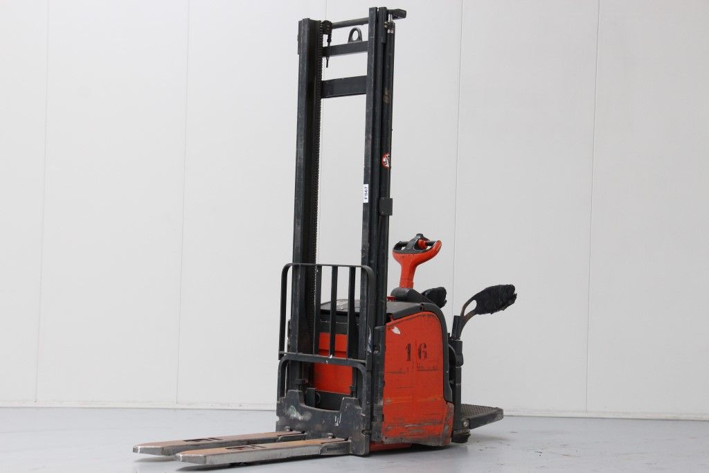 Linde-L14AP-High Lift stacker http://www.bsforklifts.com