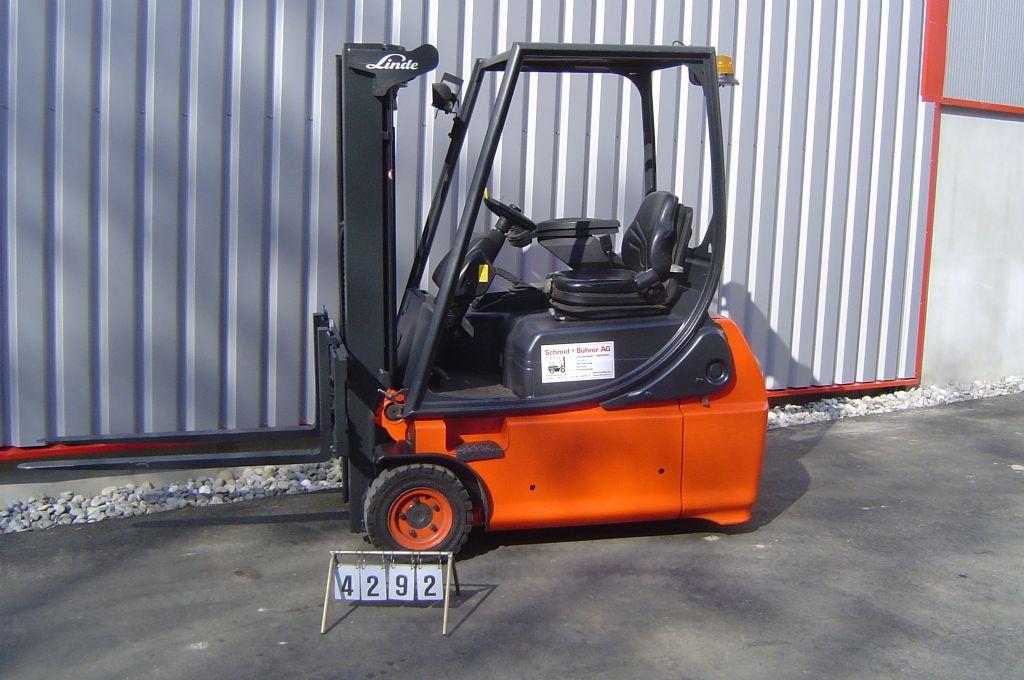 Linde-E16-02-Elektro 3 Rad-Stapler-www.sbstapler.ch