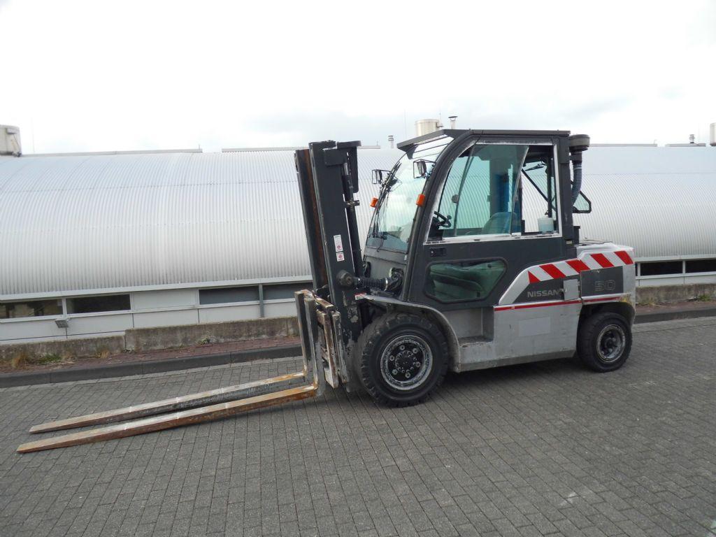 Nissan-DG1F4A50/2W330-Dieselstapler-http://www.decker-gabelstapler.de