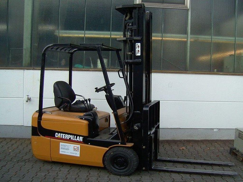 Caterpillar-EP15KRT-24E-Elektro 3 Rad-Stapler-http://www.ehlers-stapler.de