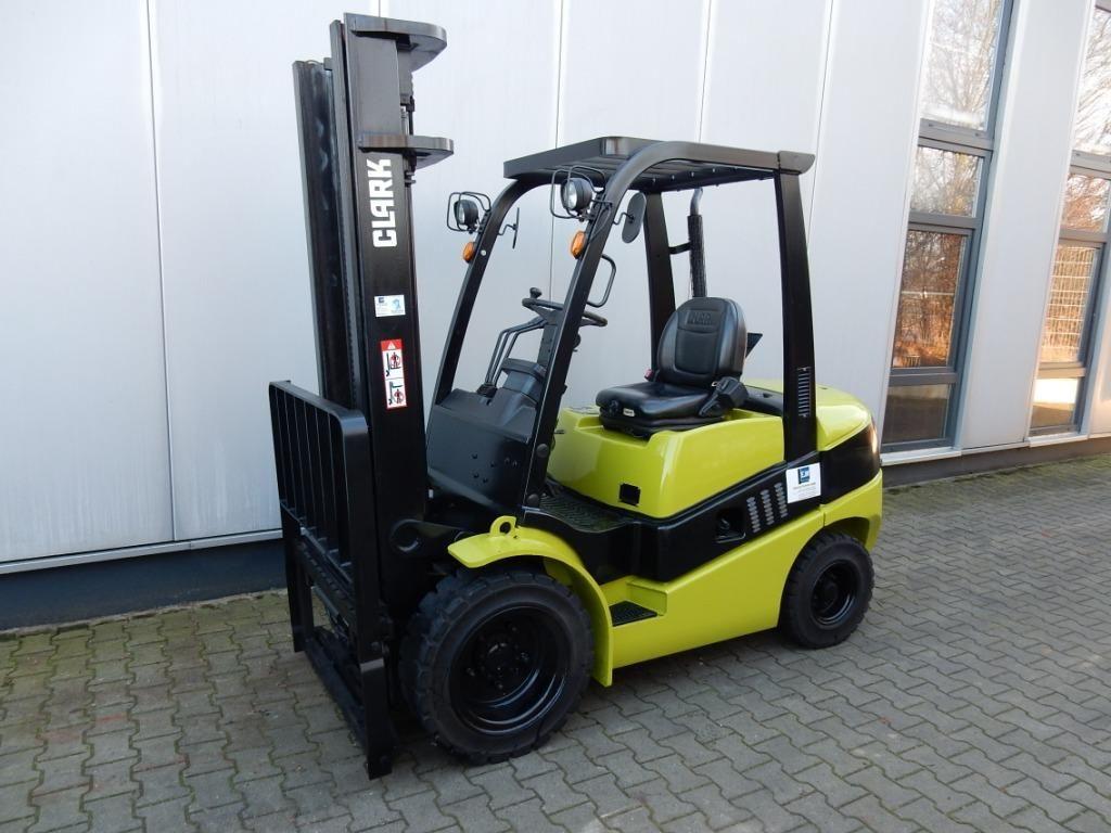 Clark-C30D-Dieselstapler-http://www.eundw.com