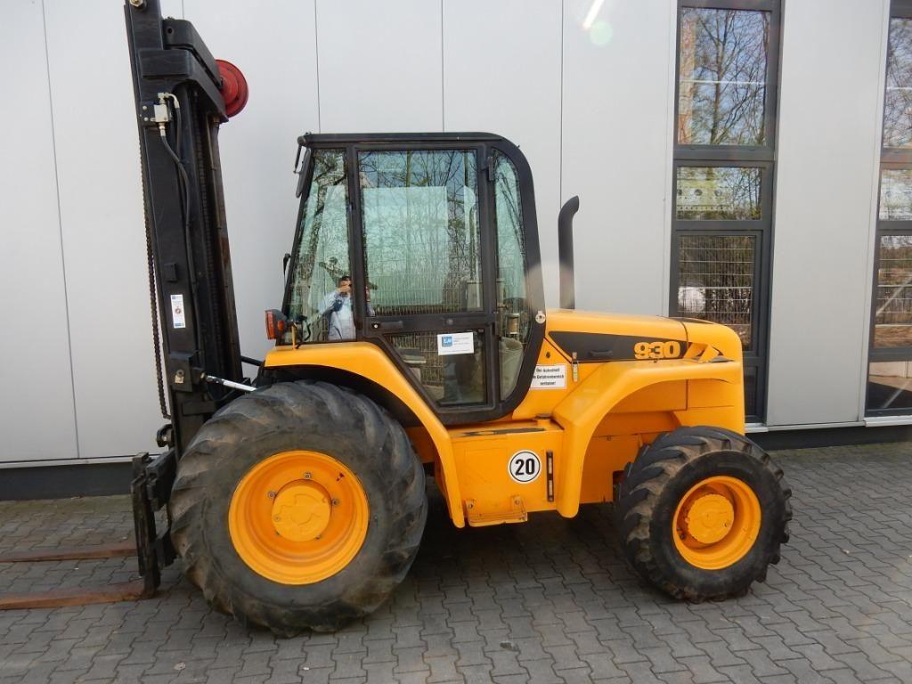 JCB-930-4-Geländestapler-http://www.eundw.com