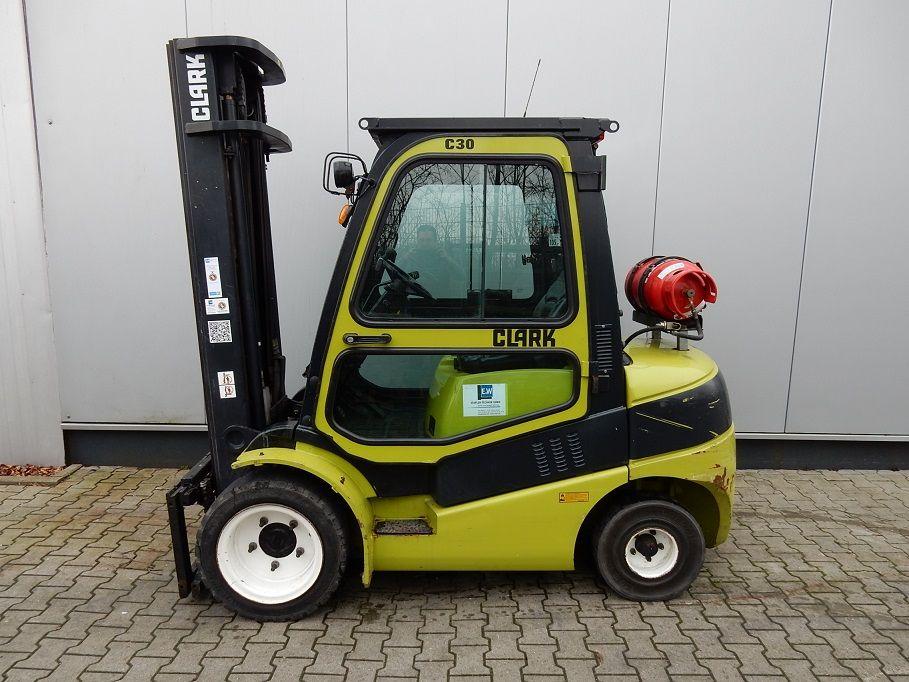 Clark-C30L-Treibgasstapler-http://www.eundw.com