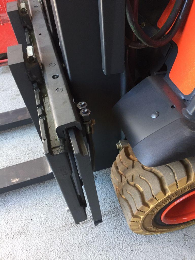 Linde-E 20 PH Triplex Batterie 2012-Elektro 4 Rad-Stapler-www.fleischmann-foerdertechnik.de