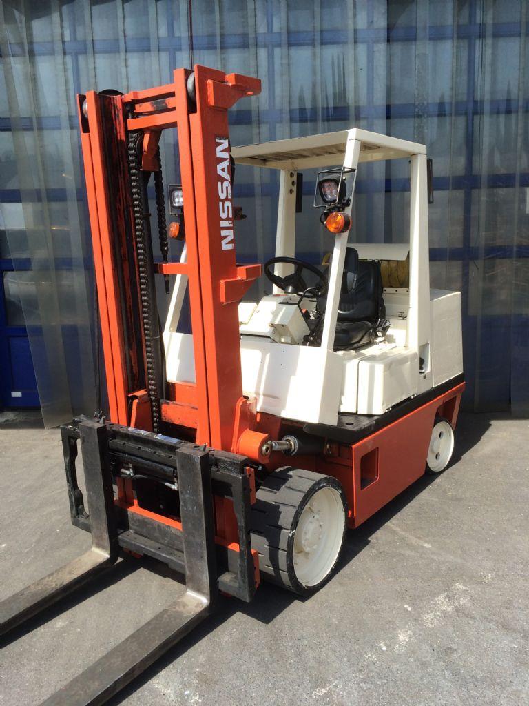 Nissan-CRGH02F35U-Treibgasstapler-http://www.frenz-gabelstapler.de