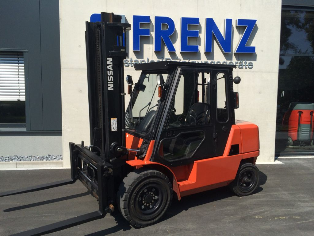Nissan-F04D40HQ-Dieselstapler-http://www.frenz-gabelstapler.de