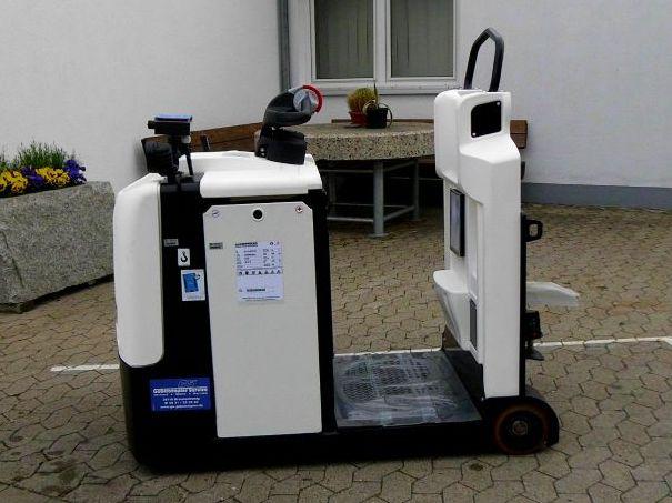 Hyster-LO5.0T-Schlepper-http://www.gs-gabelstapler.de