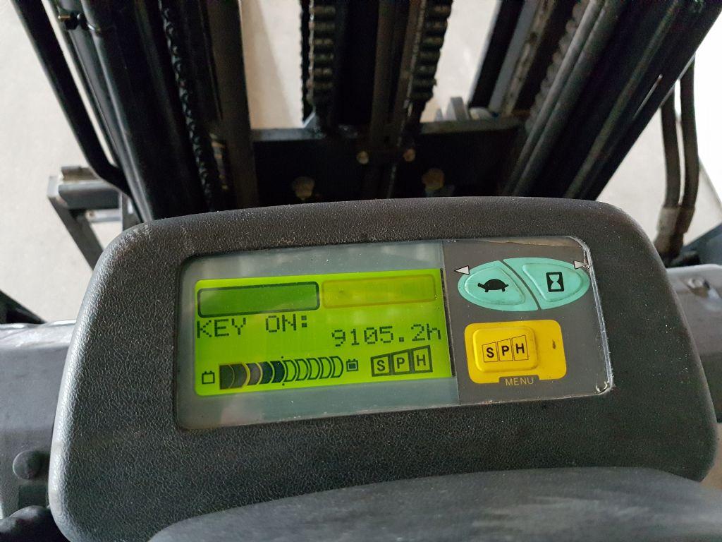 Toyota-7FBEF20-Elektro 3 Rad-Stapler-http://www.heinbockel-gabelstapler.de