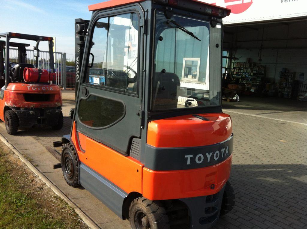 Toyota-7FBMF25-Elektro 4 Rad-Stapler-http://www.heinbockel-gabelstapler.de