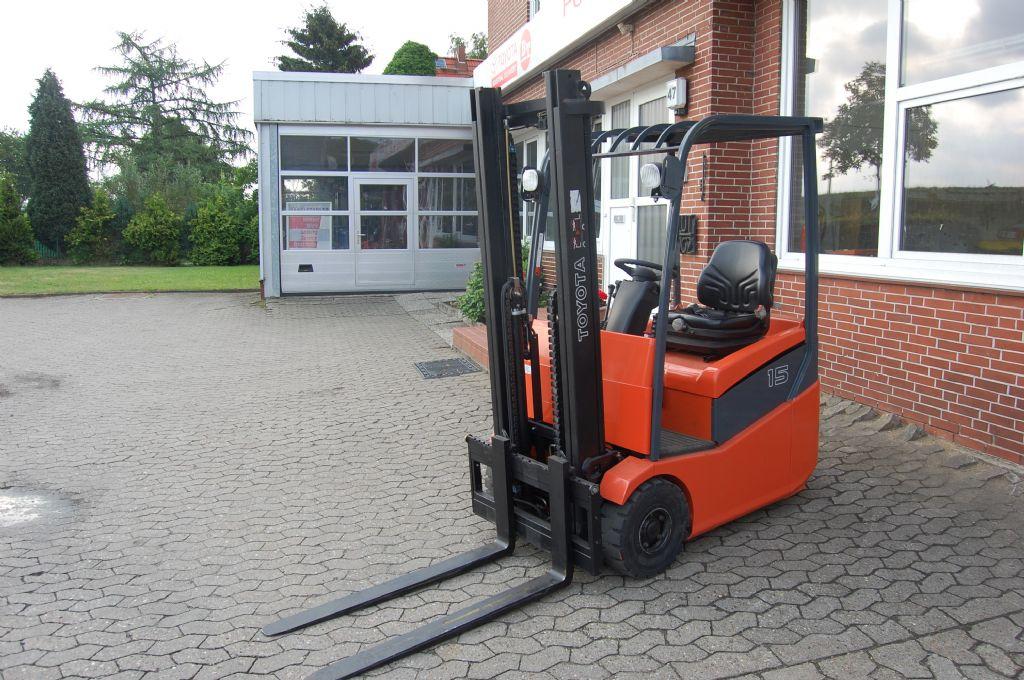 Toyota-7FBEST15-Elektro 3 Rad-Stapler-http://www.heinbockel-gabelstapler.de