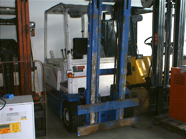 OM-EU30-Elektro 4 Rad-Stapler-http://www.herbst-gabelstapler.de
