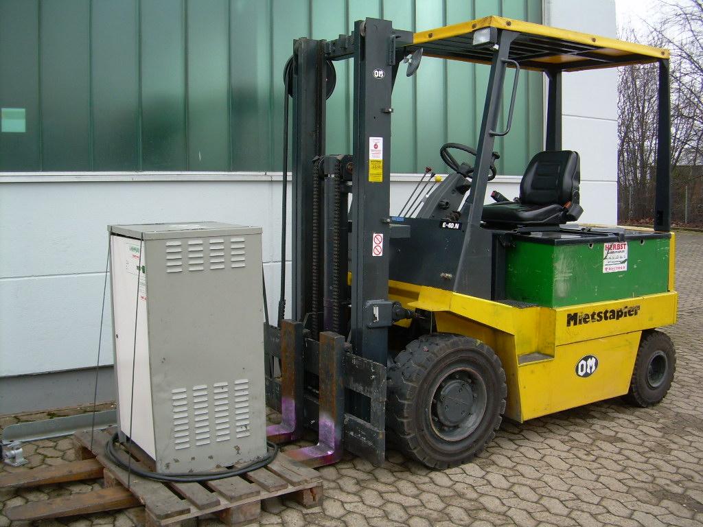 OM-E40N-Elektro 4 Rad-Stapler-http://www.herbst-gabelstapler.de