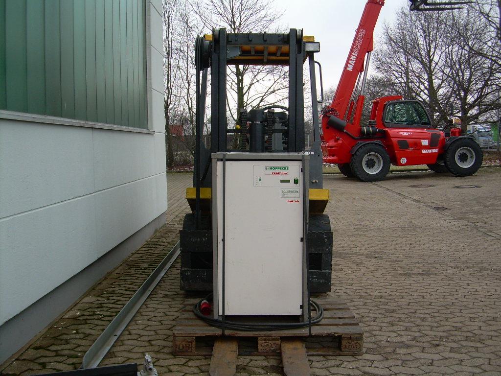 OM-E40N-Elektro 4 Rad-Stapler-www.herbst-gabelstapler.de