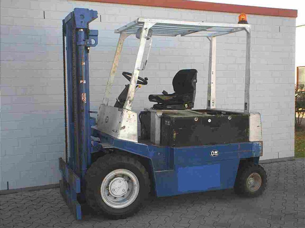 OM-E50N-Elektro 4 Rad-Stapler-http://www.herbst-gabelstapler.de