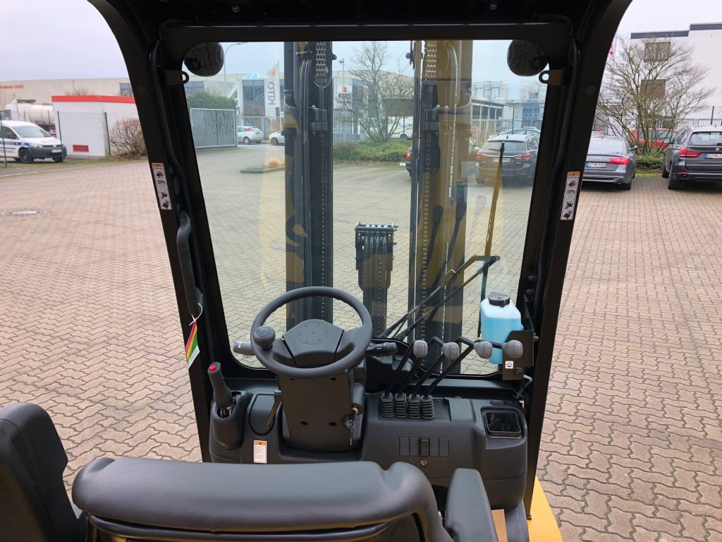 Yale-GDP30MX-Dieselstapler-www.herbst-gabelstapler.de