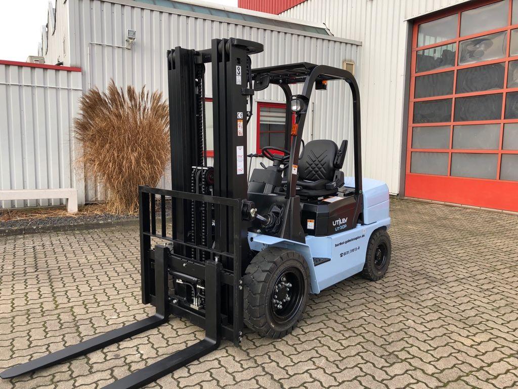 UTILEV-UT30P-Dieselstapler-http://www.herbst-gabelstapler.de