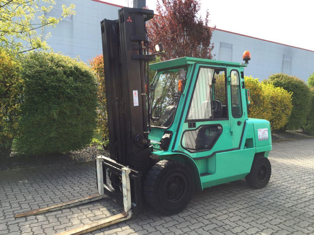 Mitsubishi-FD45K-Dieselstapler-http://www.herbst-gabelstapler.de
