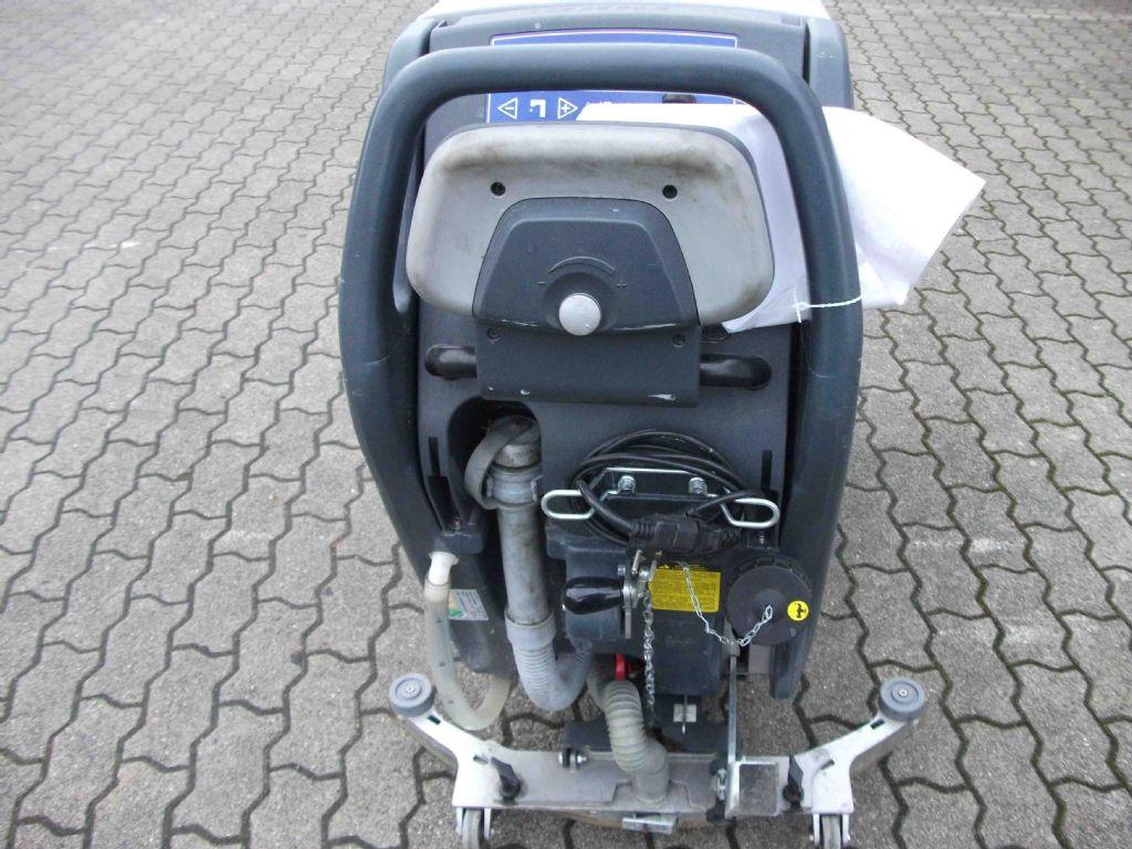 Nilfisk-BA 551 DC-Naßschrubbautomaten-www.herbst-gabelstapler.de