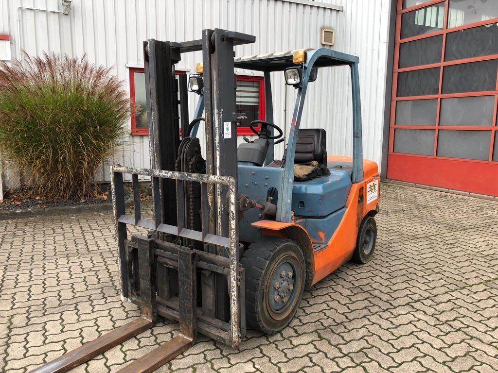 Goodsense-FD30B-Dieselstapler-http://www.herbst-gabelstapler.de