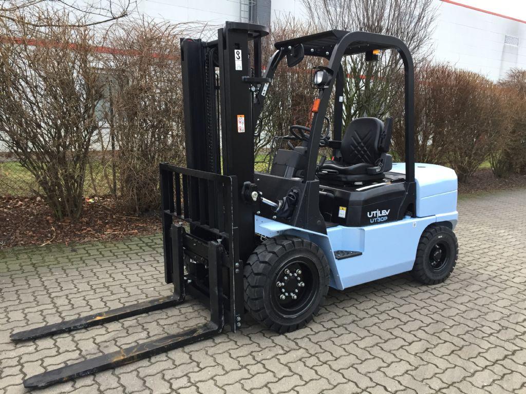 UTILEV-UT30P Diesel-Dieselstapler-http://www.herbst-gabelstapler.de
