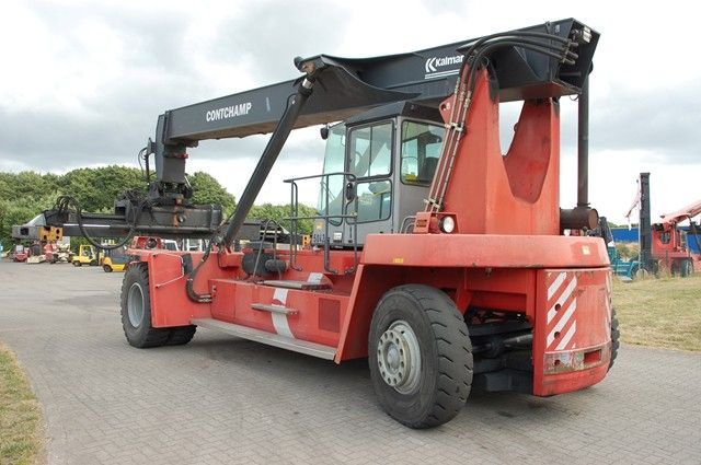 Kalmar DRD100-52-S6 Leercontainer Reachstacker www.hinrichs-forklifts.com